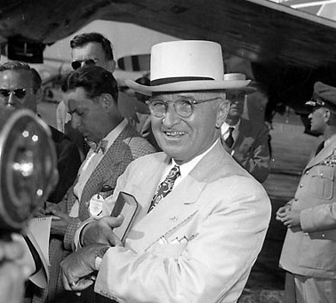 Harry-truman-in-a-panama-hat