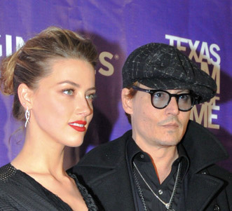 Amber-Heard-et-Johnny-Depp-a-la-ceremonie-des-The-Texas-Film-Hall-of-Fame-Awards-a-Austin-le-6-mars-2014_exact1024x768_p