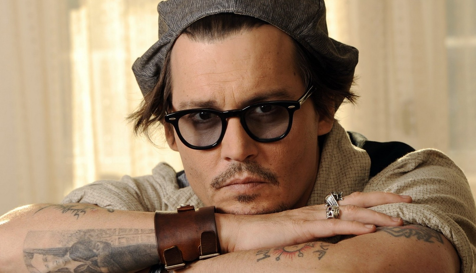 johnny-depp-ivresse-hollywood-film-awards-2014-e1416310551451