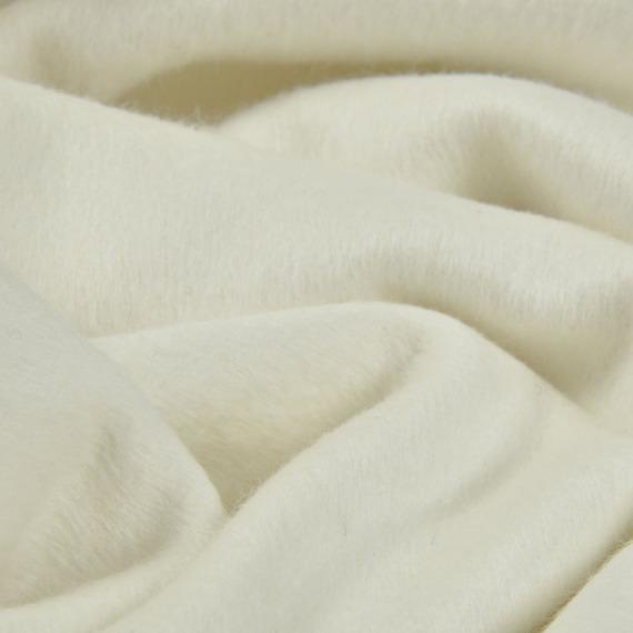 Le tissu angora est doux et très chaud